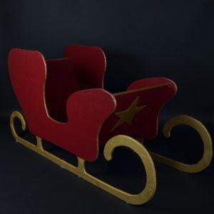 Traîneau du père noël, rouge avec des dorures, noël